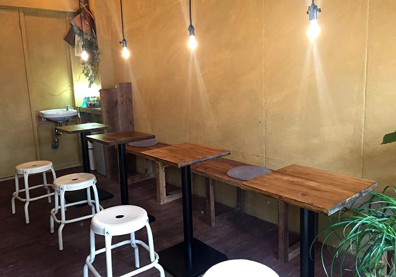 Tanaka Coffee店内