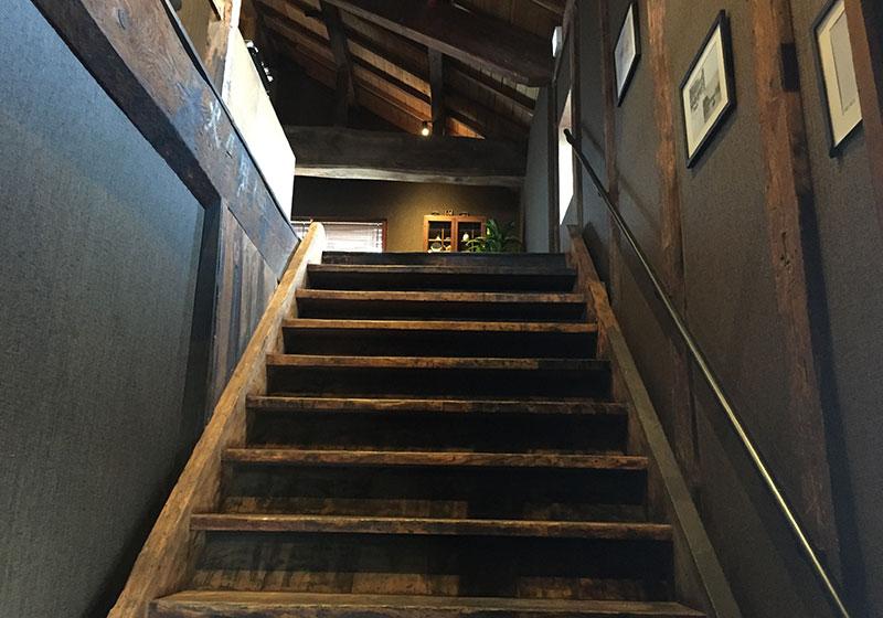 升金の倉の階段