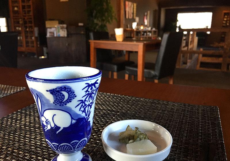 薬膳茶とお漬物